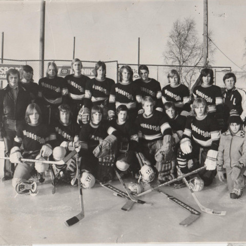 MAIK 1976